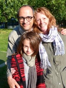 Sabine, Nina et moi, juste avant le début du concert des Fatals Picards à Mitry-Mory, juin 2011